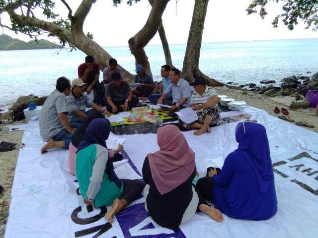 Suasana sosialusasi untuk caleg Partai Demokrat di pantai Gapang Iboih, Sabang (Foto/T.Zakaria Al Bahri)