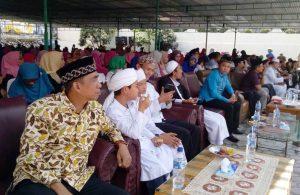 Para jamaah/undangan yang menghadiri peresmian menara Masjid Raya Taqwa Parapat dan pengajian akbar, belum lama ini. (Foto/Ist)