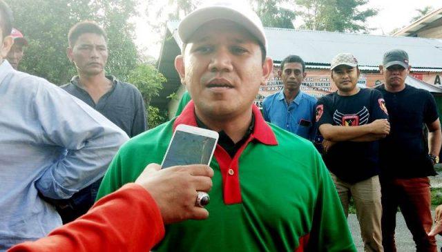 Anggota Komisi VI DPR-R dari F-P Gerindra, Fadhlullah, saat memberikan keterangan terkait proses pembangunan pabrik semen di Pidie, Sabtu (17/11/2018). (Foto/Muhammad Riza)