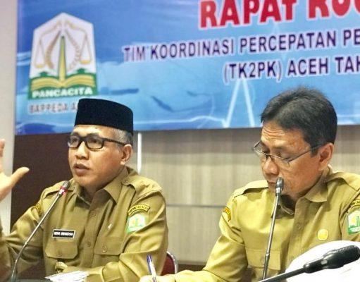Plt Gubernur Nova Iriansyah didampingi Kepala Bappeda Aceh, Azhari Hasan di Banda Aceh, Senin (19/12/2018).(Foto/Ist)