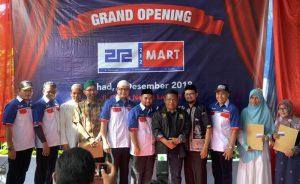 Para pengelola 212 Mart foto bersama dengan Wali Kota Banda Aceh, Aminullah Usman. (Foto/Ist)