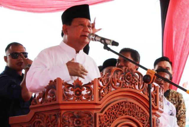 Prabowo Subianto, Calon Presiden RI nomor urut 2, berada di Aceh untuk menghadiri peringatan 14 tahun gempa dan tsunami. (Foto/dok.kba.one)