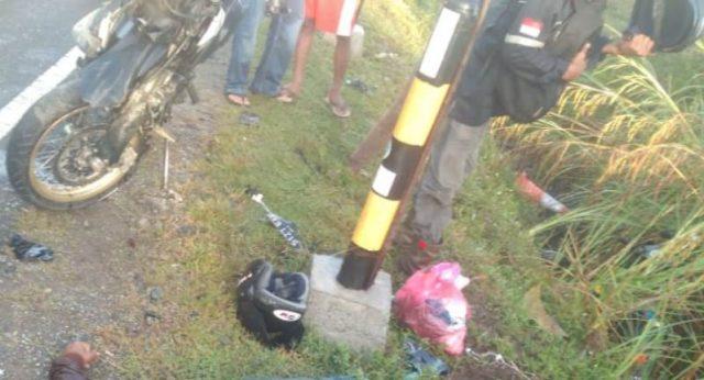 Foto kecelakaan lalulintas yang terjadi beberapa jam sebelumnya di Nagan Raya, yang juga menewaskan dua orang pengendara sepeda motor, Jumat (11/1/2019). (Foto/Ist)